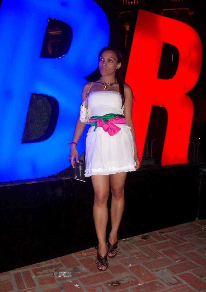 1-(32)-angienewlook-estilista-de-moda-madrid-personal-shopper-madrid-angie-reyn-moda-mujer-blogger-estilo-style-que-me-pongo-happy-total-white-look-vestido-blanco