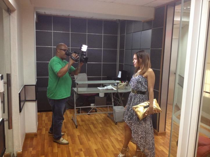 estilista de moda-dominican blogger-angienewlook-angie r-angie reyn-el escandalo del 13-telecentro-santo domingo-dominican republc-suave fm