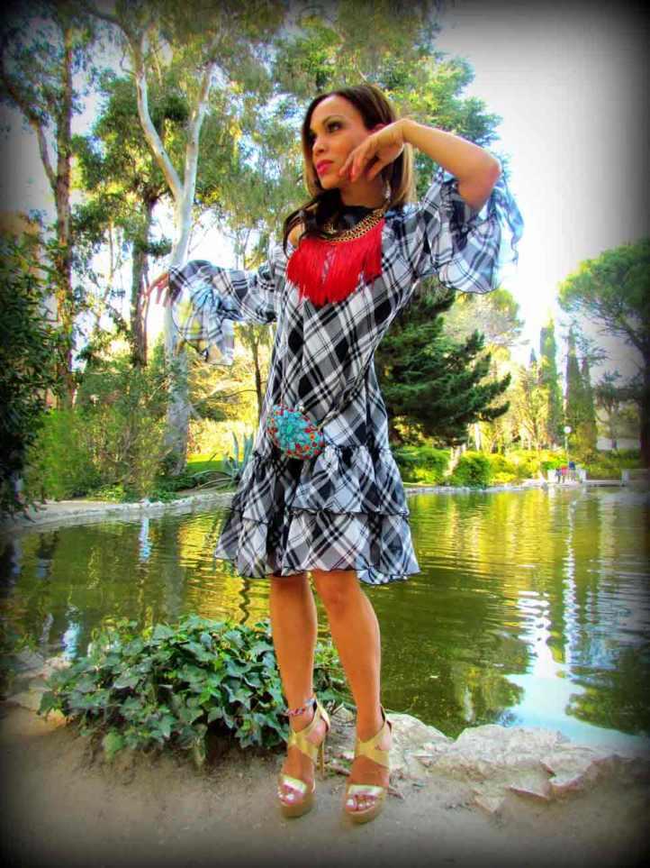 vestido-dress-mary paz metallic sandals-frindges necklace-moda mujer-estilo-fashion-style-angie-angienewlook-angie reyn-color blocking-parque-street style- quinta de los molinos