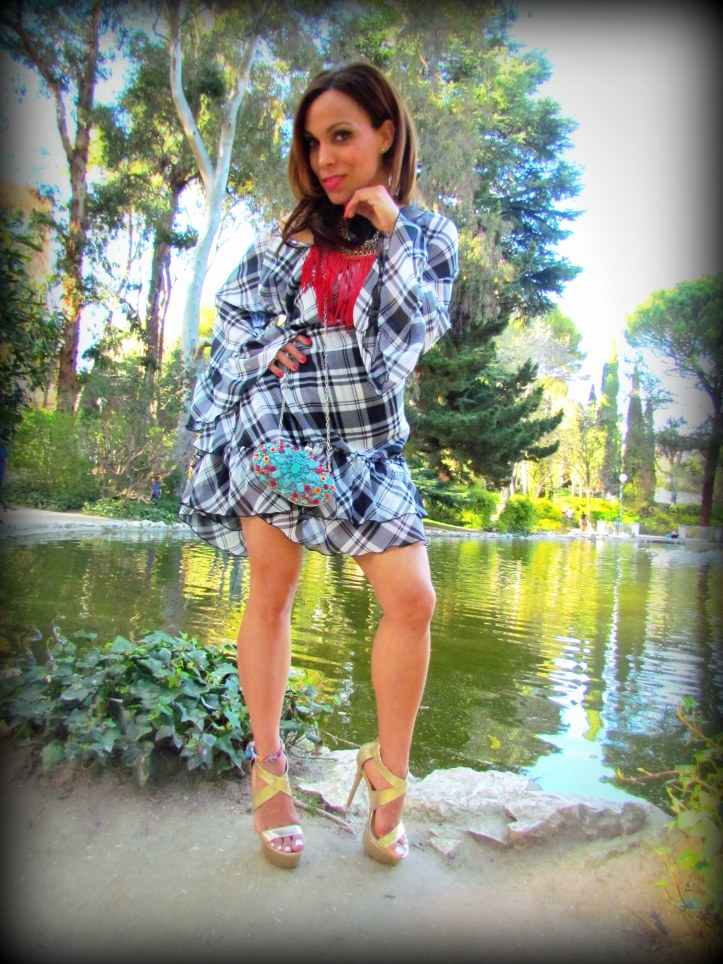 vestido-dress-mary paz metallic sandals-frindges necklace-moda mujer-estilo-fashion-style-angie-angienewlook-angie reyn-color blocking-personal shopper madrid-image consultant madrd