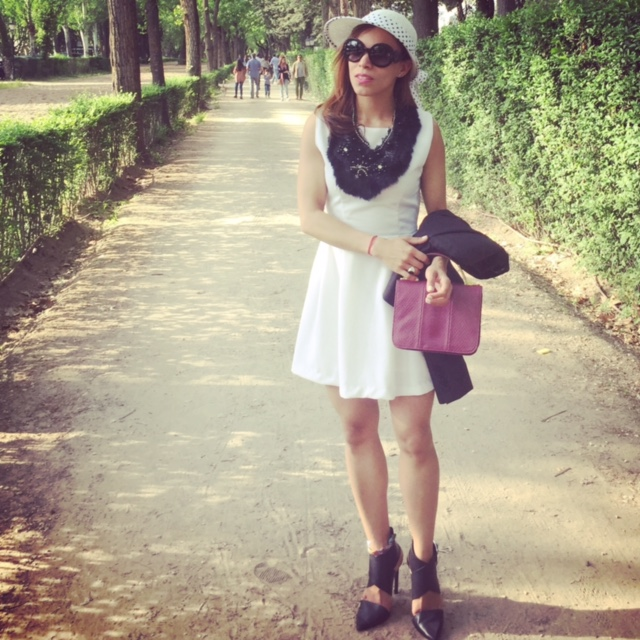 angienewlook-pleat skirt-peep toes-hernan cortes-angie reyn-estilista moda madrid-personal shopper madrid-midi skirt-madrid-blog moda-club de campo villa de madrid-longines-sombrero blanco