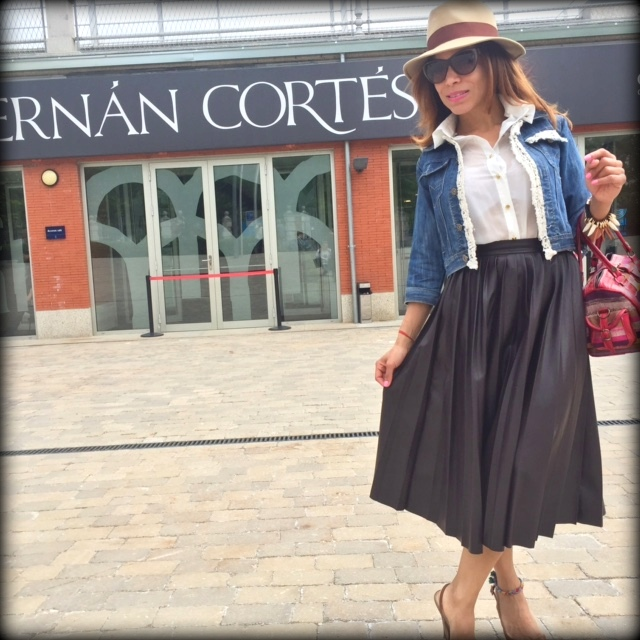 angienewlook-pleat skirt-peep toes-hernan cortes-angie reyn-estilista moda madrid-personal shopper madrid-midi skirt-madrid-blog moda-salvatore ferragamo