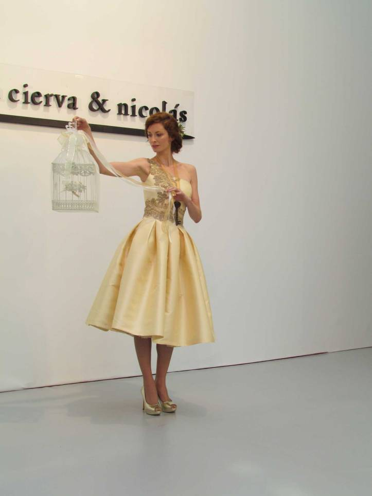 de-la-cierva&nicolas-pasarela-costura-españa-moda-españa-galeria-de-cristal-angienewlook-novias-bride-angie-reyn--fashion-stylist-estilista-de-moda-moda-estilo-tendencias
