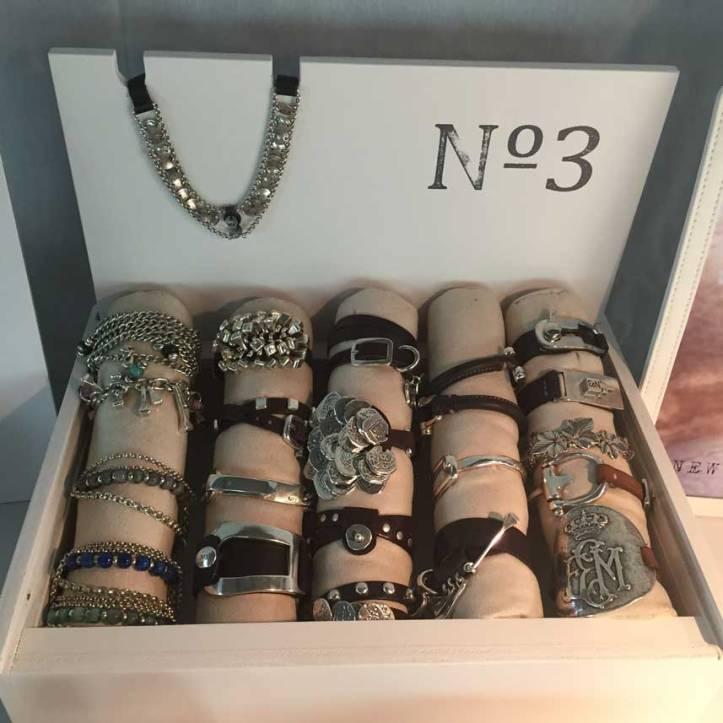 magrit-the-basement-angienewlook.fashion-stylist-estilista-de-moda--angie-reyn-estilo-peronal-shopper-open-day-que-me-pongo-personal-shopper-madrid-bangles-pulseras-numero3-oficial