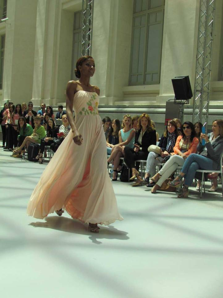 ogadenia-diaz-pasarela-costura-españa-moda-españa-galeria-de-cristal-angienewlook-novias-bride-angie-reyn--fashion-stylist-estilista-de-moda-moda-estilo-tendencias
