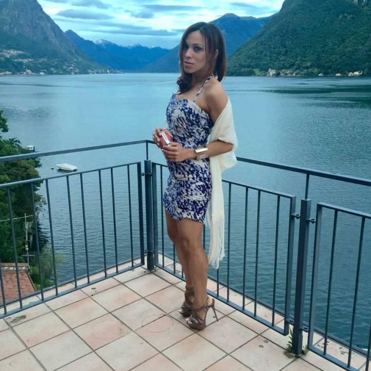 switzerland-suiza-lugano-stripes-top-rayas-denny-rose-angie-reyn-falda-de-cuero-gafas-prada-fashion-blogger-personal-shopper-madrid-vestido-de-rayas-sombrero-oysho-missnewlook