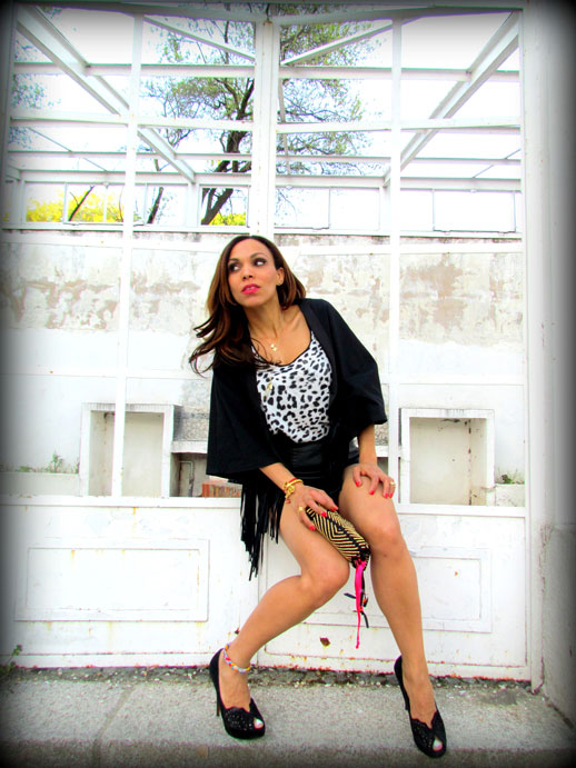 angienewlook-angie reyn-angie-zapatos zara-peep toes-sexy woman chaleco-flecos-personal shopper madrid-tacones-tienda online-complementos missnewlook-animal print-marc jacobs-estilisma moda