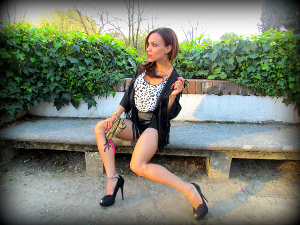 angienewlook-angie reyn-angie-zapatos zara-peep toes-sexy woman chaleco-flecos-personal shopper madrid-tacones-tienda online-complementos missnewlook-animal print-marc jacobs-forever21