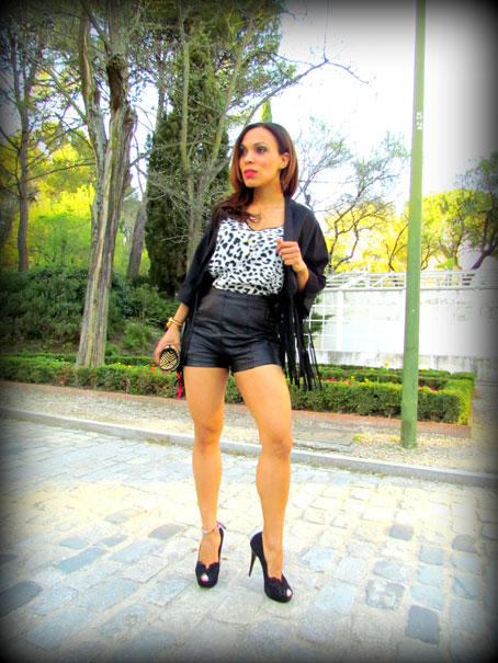 angienewlook-angie reyn-angie-zapatos zara-peep toes-sexy woman chaleco-flecos-personal shopper madrid-tacones-tienda online-complementos missnewlook-animal print-marc jacobs-leather pant