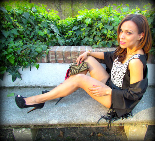 angienewlook-angie reyn-angie-zapatos zara-peep toes-sexy woman chaleco-flecos-personal shopper madrid-tacones-tienda online-complementos missnewlook-animal print-marc jacobs-moda mujer