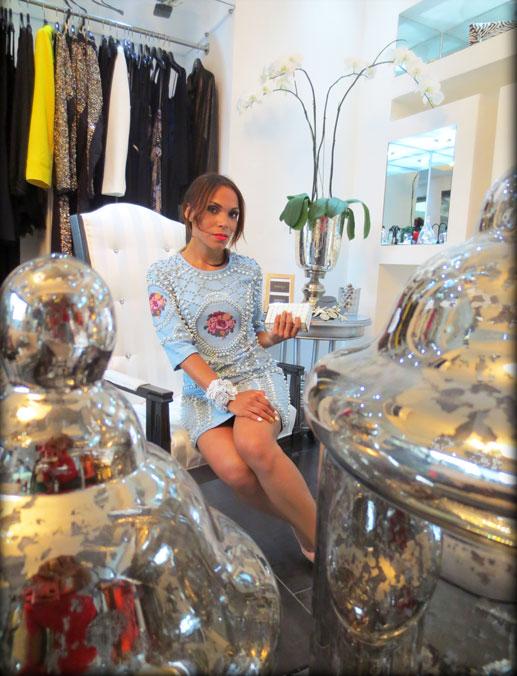 indulge dr-moda de lujo-moda-estilo-cartera de mano-clutch-vestido joya-vestido estilo balmain-angie-angie reyn-angienewlook-dominican blogger-vestido pedreria
