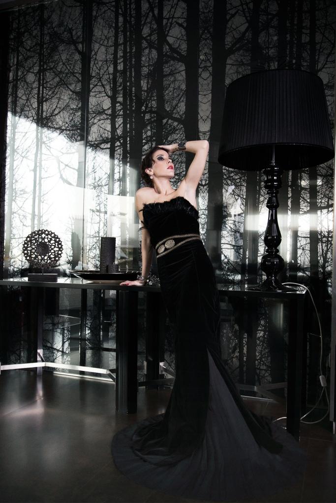 isabel perea-cinturon plumas-angienewlook-angie reyn-my job as a fashion stylist- personal shopper madrid-estilo-glamorous-fashion editorial-editorial de moda-fiesta