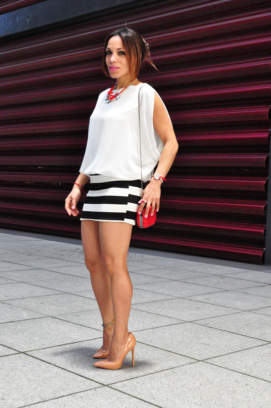 new-navy-stripes-estilo-marinero-angienewlook-angie-angie-reyn-white-dress-nude-shoes-moda-mujer-verano-2015-que-me-pongo-numero-3-clutch-bolso-fiesta