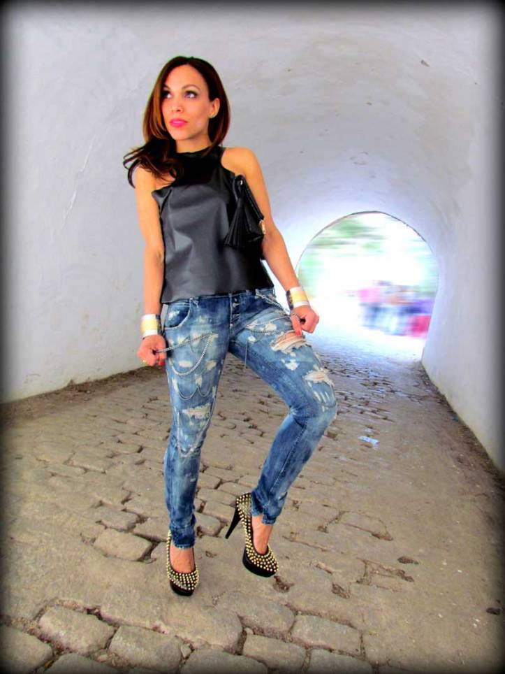 sexy-woman-jeans-pantalon-sexy-women-ripped-jeans-vince-camuto-tacones-high-heels-angie-r-angienewlook-angie-reyn-top-leather-pulseras-missnewlook