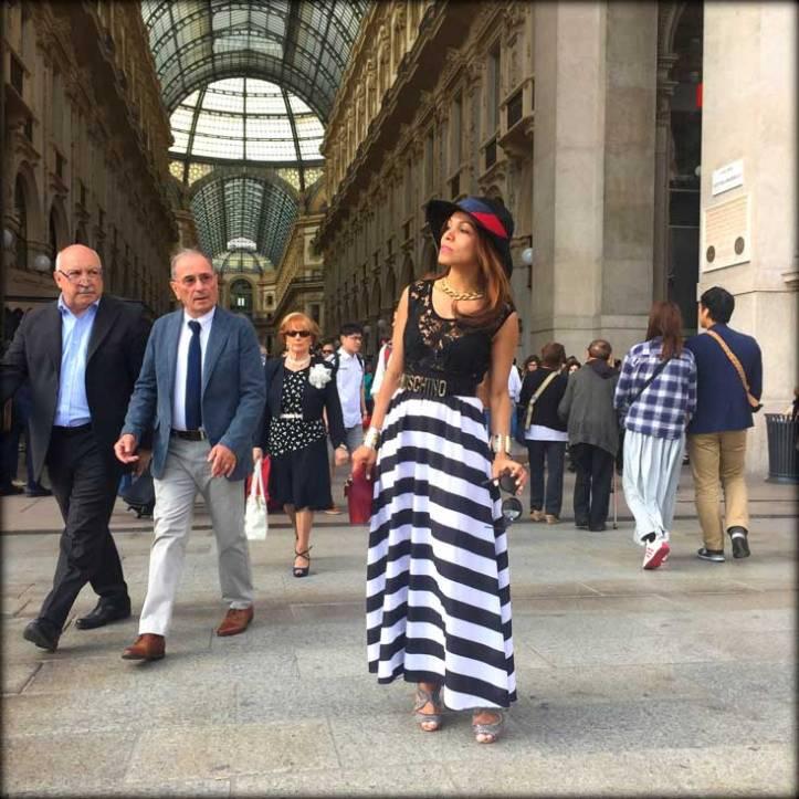 switzerland-suiza-lugano-stripes-top-rayas-denny-rose-angie-reyn-falda-de-cuero-gafas-prada-fashion-blogger-personal-shopper-madrid-vestido-de-rayas-sombrero-milan-milano-duomo