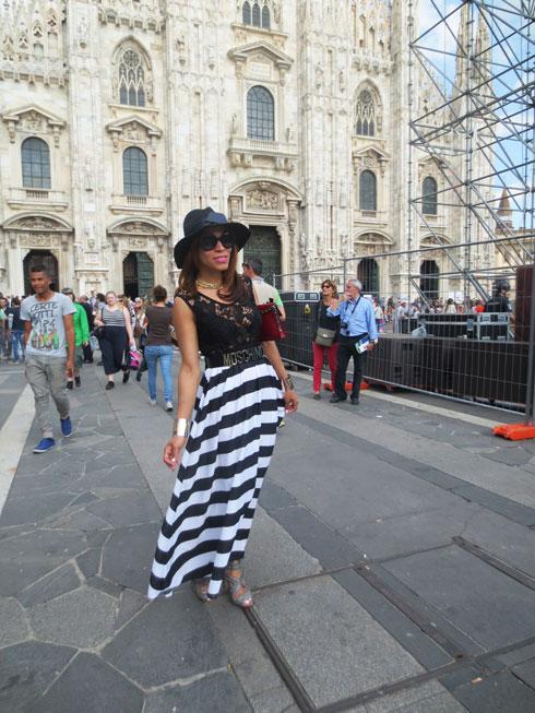 switzerland-suiza-lugano-stripes-top-rayas-denny-rose-angie-reyn-falda-de-cuero-gafas-prada-fashion-blogger-personal-shopper-madrid-vestido-de-rayas-victorio enmanuelle gallery-milano