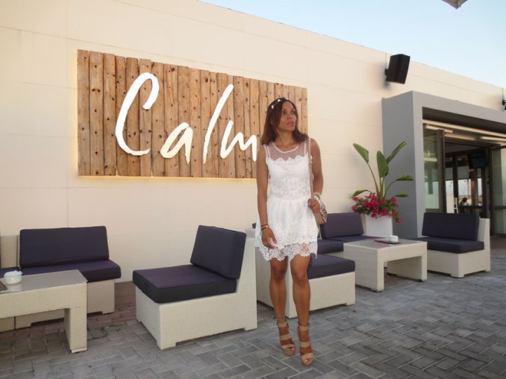 angienewlook-angie-reyn-adlib-ibiza-isla-pitiusa-crown-flower-crown-headpiece-la-marina-platform-wedges-sandalias-mary-paz-white-dress-vestido-blanco-calma-ibiza