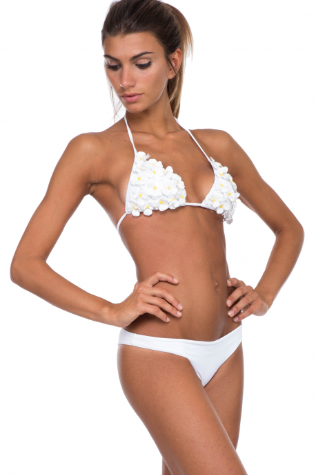 bikini-with-sliding-padded-triangle-pin up star-angienewlook-angie reyn-moda baño-swimsuit-beach time-floral print-white bikini