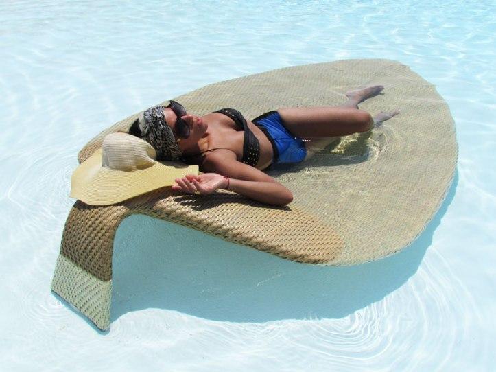 destino-pacha-ibiza-resort-angienewlook-angie-reyn--bikini-vintage-turban-estilo-estlista-de-moda-madrid-piscina-moda-baño-gafas-armani-exchange