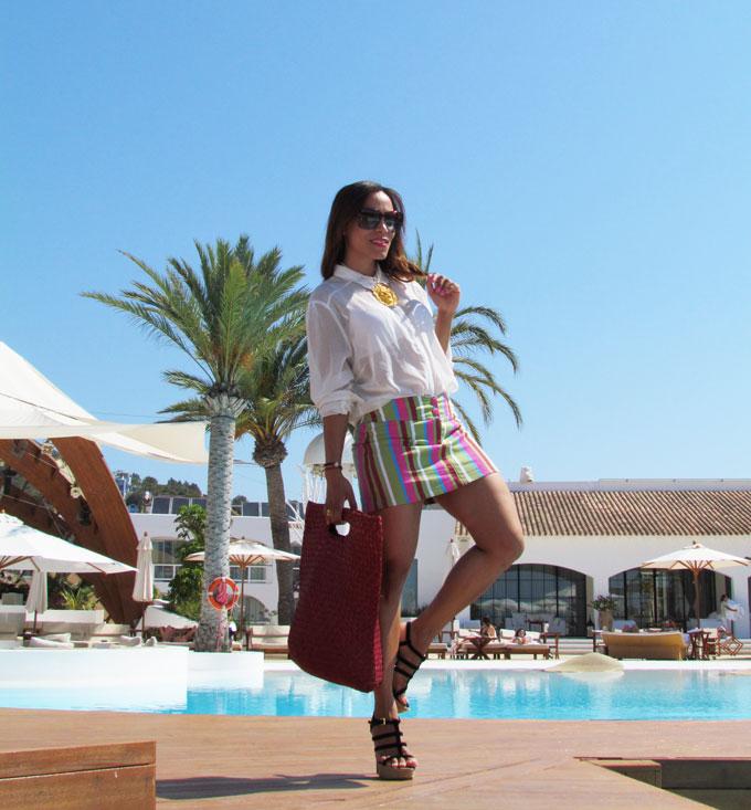 destino-pacha-ibiza-resort-santa-eulalia-isla-pitiusa-angienewlook-angie-reyn-estilista-de-moda-fashion-stylist-stripe-skirt-falda-de-rayas-armani-exchange