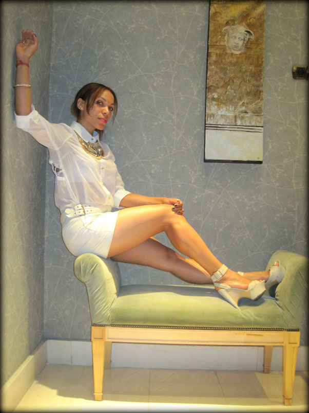 hotel-hesperia-madrid-angienewlook-total-white-bakers-shoes-angie-reyn-moda-estilo-blogger-dominicana-que-me-pongo-fashion-stylist