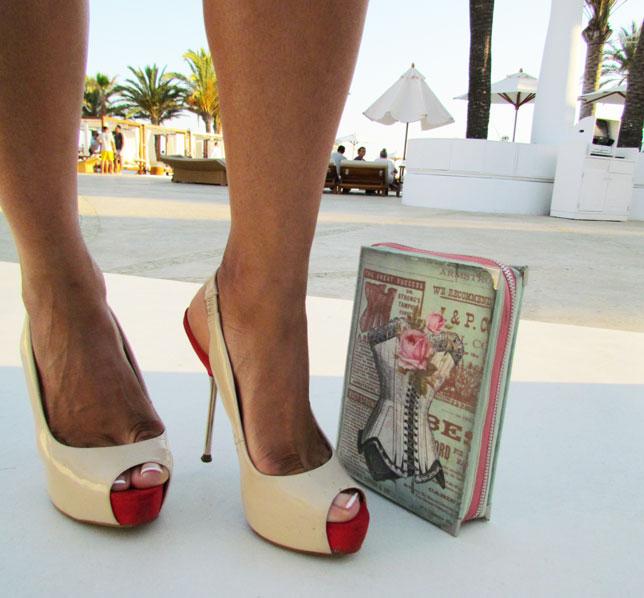 IBIZA-destino-pacha-ibiza-high-heels-angienewlook-arquimedes-llorens-angie-reyn-angienewlook-estilista-moda-sombrero-panama-animal-print-desfile-de-moda-ibiza-tacones-clutch-ps-besitos