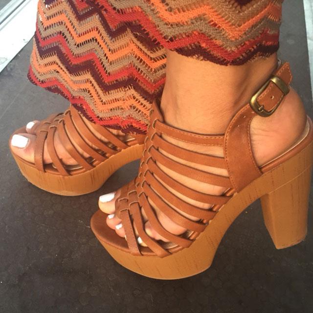 moda y movimiento-angienewlook-angie reyn-estilista de moda-blogger-vintage style-kmoon-arquimedes llorens-zapatos marypaz-sandalias