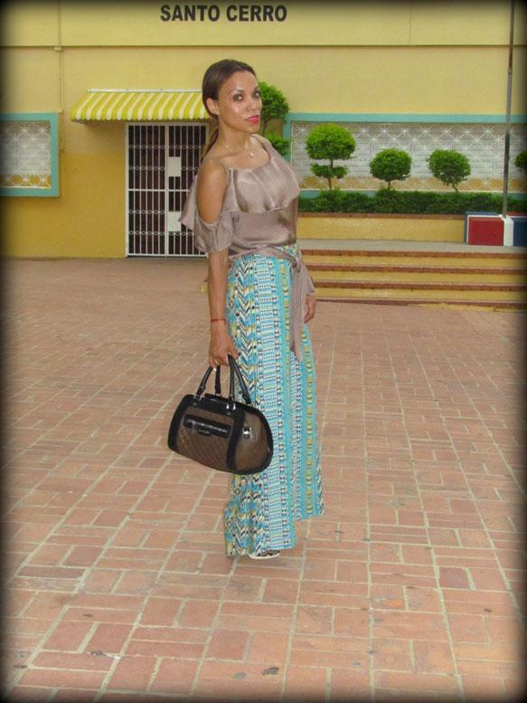 santo-cerro-la-vega-dominican-republic-republica-dominica-angienewlook-angie-reyn-printed-pant-palazzo-estilista-de-moda-personal-shopper-madrid-david-delfin-bolso