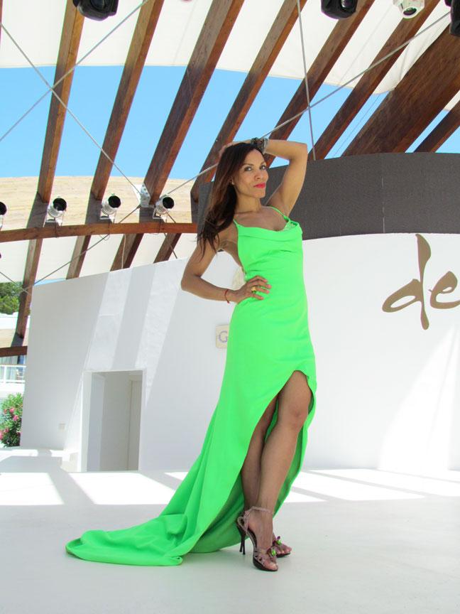 arquimedes-llorens-alta-costura-haute-couture-vestido-fluor-angienewlook-angie-reyn-destino-pacha-ibiza-gown-coral-lips-estilista-de-moda-personal-shopper-madrid-fashion-blogger