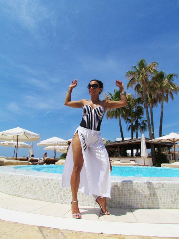 bañador-pareo-arquimedes-llorens-beachwear-swimsuit-angie-angienewlook-angie-reyn-sarong-high-heels-estilo-moda-baño-angienewlook