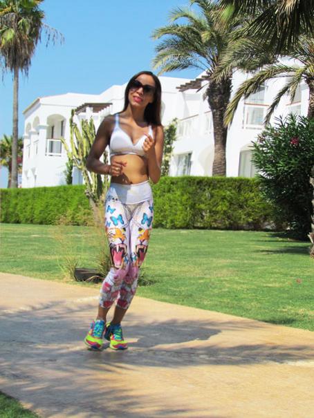 fitnesschic-mallas-colombianas-moda-gym-sports-wear-chic-en-el-gimnasio-angienewlook-angie-reyn-animal-print-ed-hardy-style-workout-reebok-deportivas