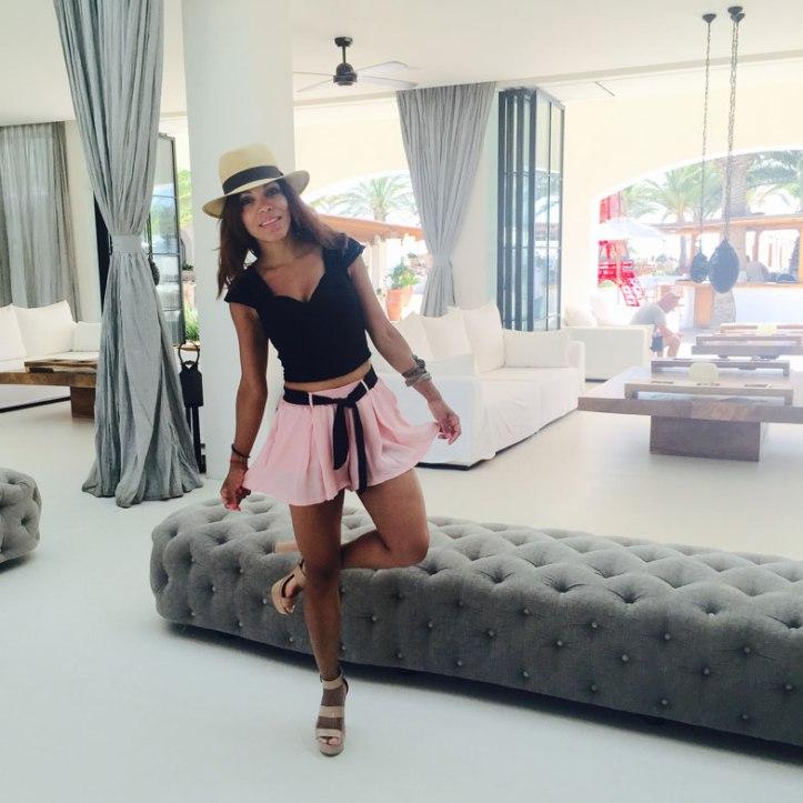 panama-hat-angienewlook-angie-reyn-angie-blogger-moda-estilista-de-moda-personal-shopper-short-sandalias-mary-paz-short-tailandia-destino-ibiza