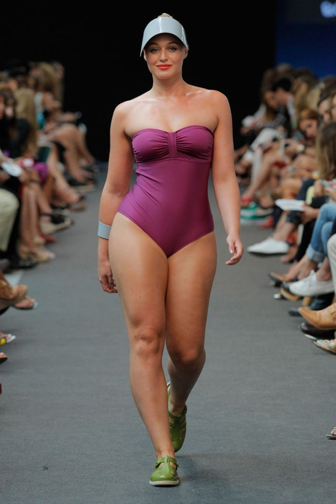 Adela&Viki_bañador-talla-grande-plus-size-curvy-curvieseci--mfshow-ss2016-angienewlook-angie-reyn-front-row-alta-costura-haute-couture-modelo-ladylike-models-tresemme-spain