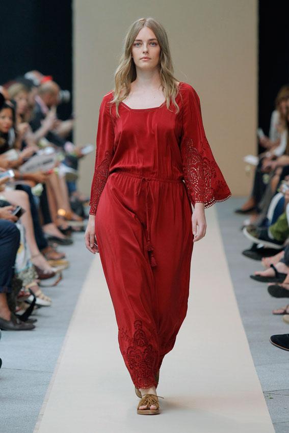 AdolfoDominguez_vestido-rojo-plus-size-curvy-curvieseci--mfshow-ss2016-angienewlook-angie-reyn-front-row-alta-costura-haute-couture-modelo-ladylike-models-tresemme-spain