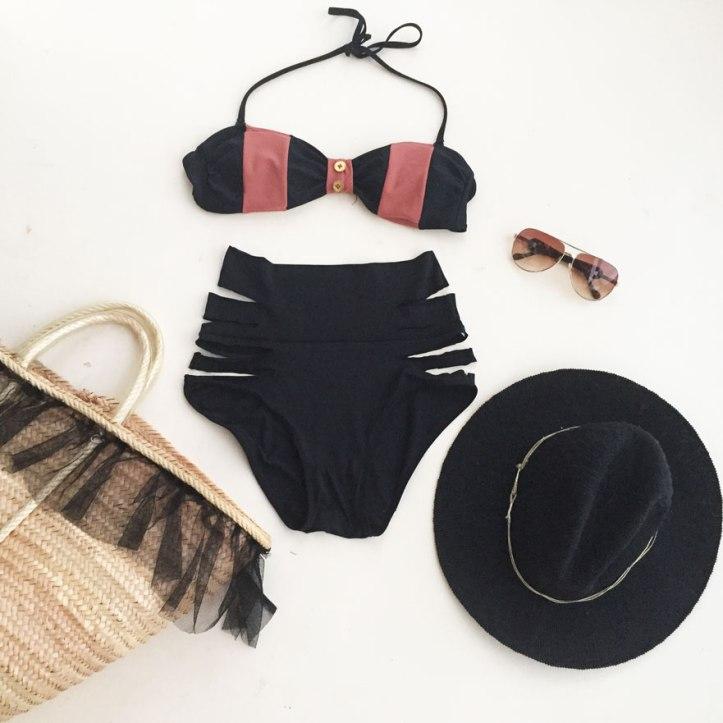 bañador-moda-baño-beachwear-swimwear-angienewlook-destino-pacha-ibiza-destino-resort-bikini-retro-cadenas-blogger-moda-mujer-leaf-ibiza-vintage-swimwea-angelica-reynoso-angiereyn