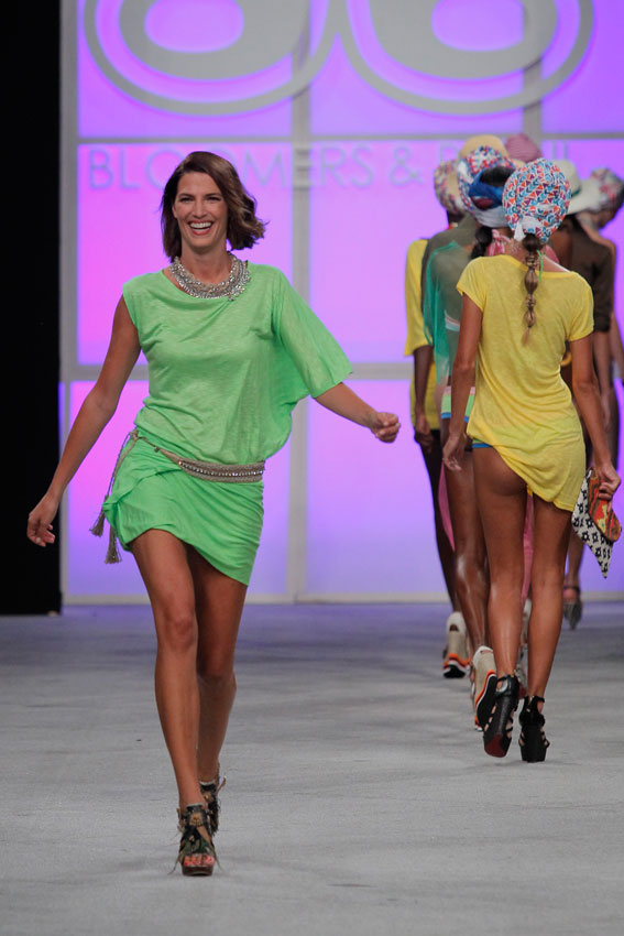 Bloomers&Bikini_tunica-carrousel-de-modelos-mfshow-ss2016-angienewlook-angie-reyn-front-row-moda-baño-swimwears-laura-sanchez-modelo-veronica-blume-models-tresemme-spain