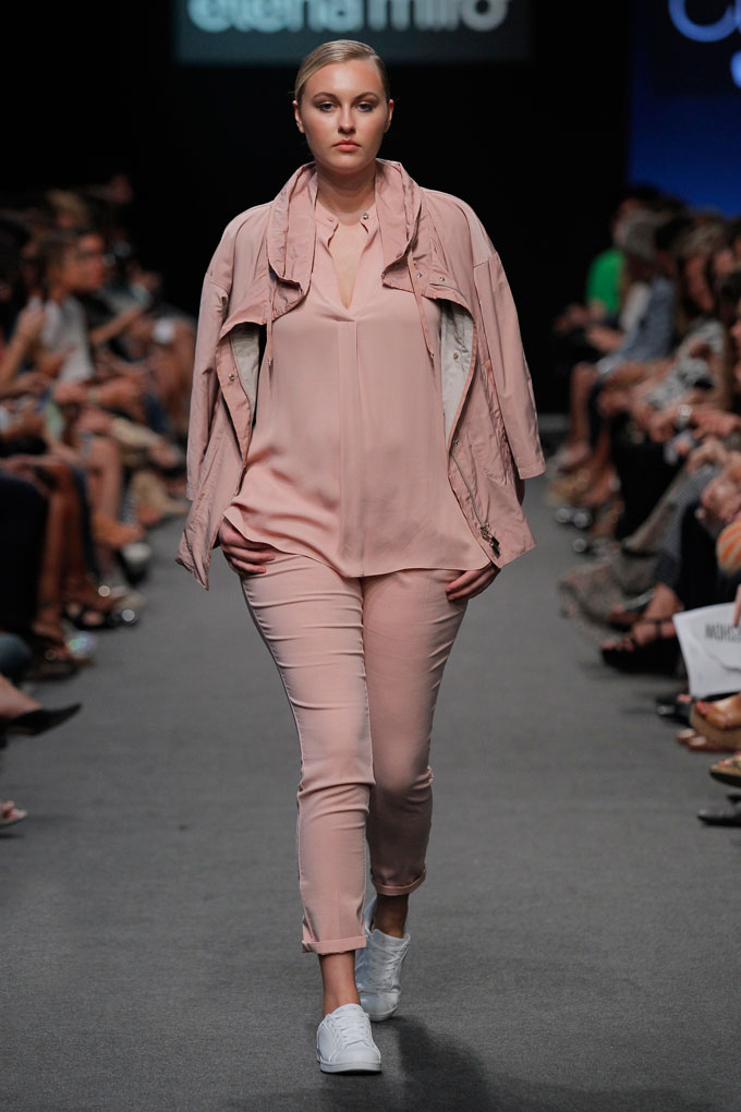 ElenaMiro_trajes-de-pantalon-plus-size-curvy-curvieseci--mfshow-ss2016-angienewlook-angie-reyn-front-row-alta-costura-haute-couture-modelo-ladylike-models-tresemme-spain