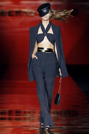 mbfwm15-mbfwmadrid p-v-2016-pasarela españa-semana de la moda madrid-pantalon palazzo-estilo navy-angienewlook-angie reyn