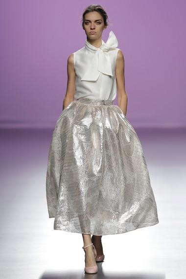 mbfwm15-mbfwmadrid p-v-2016-pasarela españa-semana de la moda madrid-the 2nd skin co pv 2016-falda midi-camisas con lazadas