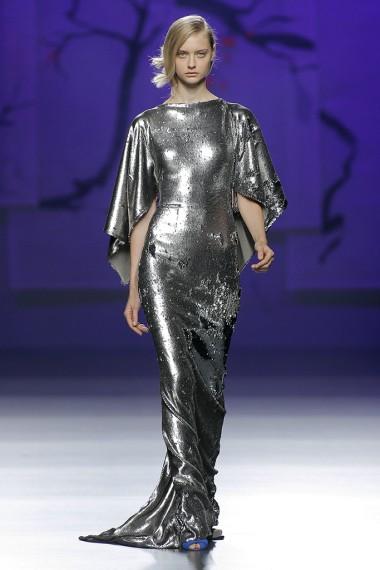 mbfwm15-mbfwmadrid p-v-2016-pasarela españa-semana de la moda madrid-ulises merida pv 2016-vestido plateado