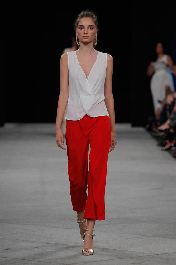 MonicaCordera_culottes-premio-tresemme--blanco-y-rojo-mfshow-ss2016-angienewlook-angie-reyn-front-row-alta-costura-haute-couture-modelo-ladylike-models-tresemme-spain