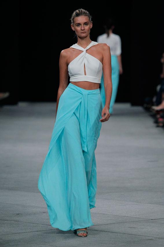 MonicaCordera_falda-de-seda-aquamarina-crop-top-mfshow-ss2016-angienewlook-angie-reyn-front-row-alta-costura-haute-couture-modelo-ladylike-models-tresemme-spain