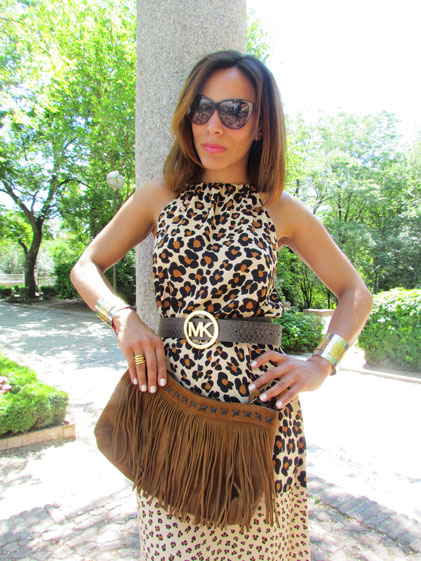 animal-print--printed-dress-gafas-ferragamo-ferragamo-sunnies-suede-bag-angienewlook-angelica-reynoso