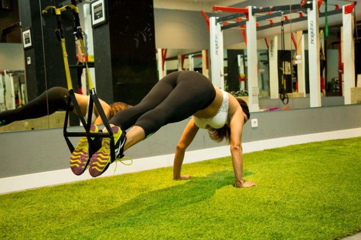 angienewlook-angie-r-trabajo-de-abdomen-con-trx-trx-30'--fitness-fitgirl-suspension