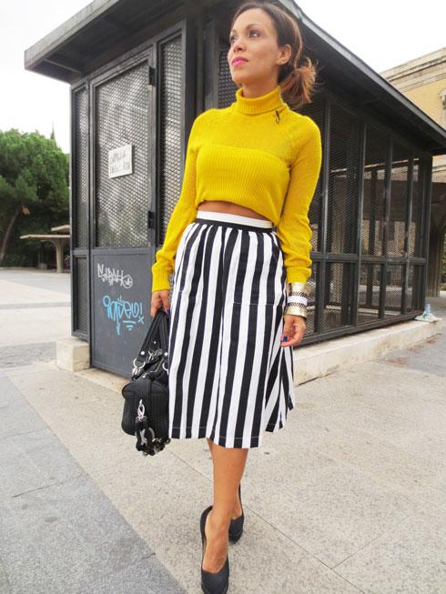 el-alfeñique-rojo-madrid-angelica-reynoso-jersey-amarillo-handbag-bolso-moda-mujer-fashion-blogger-fashion-stylist-personal-shopper-madrid