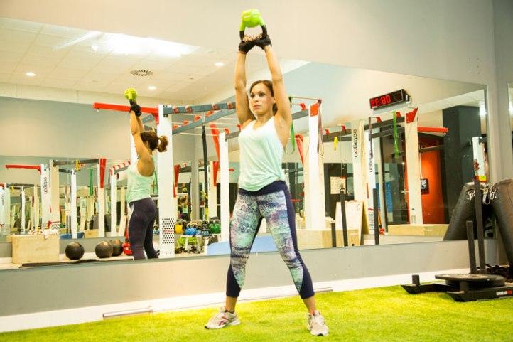 gymwear-moda-en-el-gimnasio-mallas-fitness