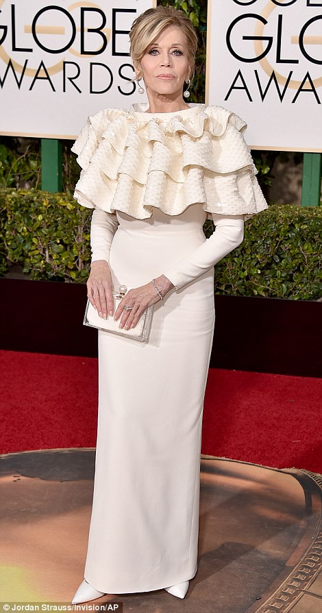 jane fonda in yves saint laurent couture-golden globe awards-estilista de moda madrid