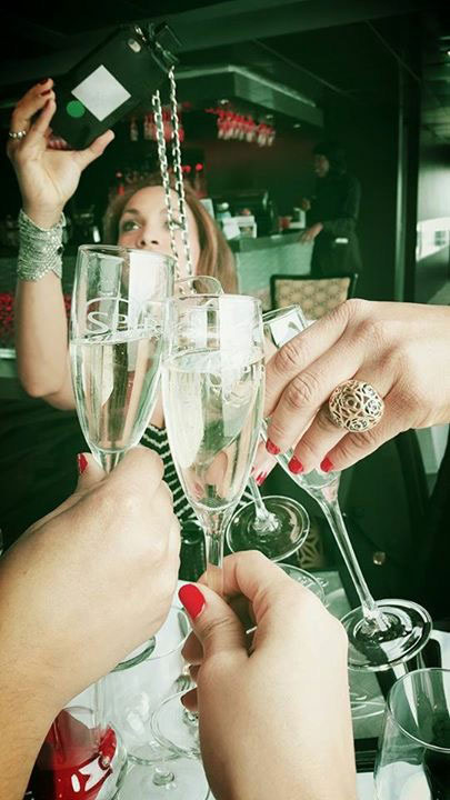 cheers-birthday-look-champagne-style-luxury-lifestyle-angienewlook
