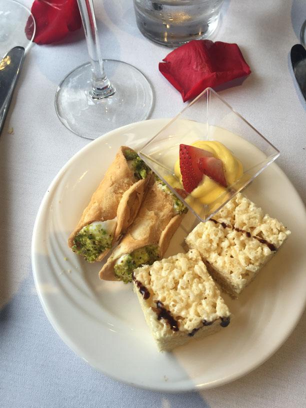 desserts-canoli-champagne-angienewlook-foodie