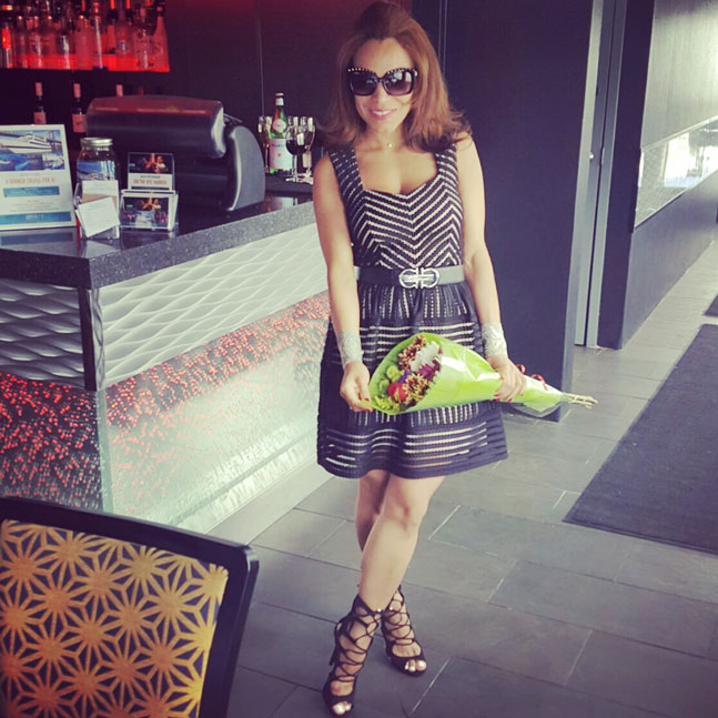 flowers-lbd-vestido-negro-sunnies-gafas-de-sol-versace-sunnies-spirit-of-new-york-cruise-brunch